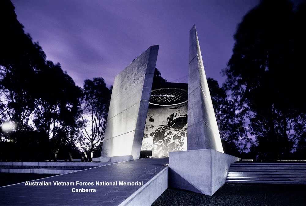 This image has an empty alt attribute; its file name is 4.-vietnam-memorial.jpeg